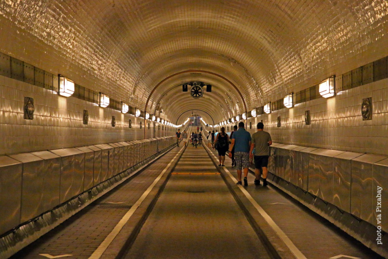 Elbe Tunnel, Hamburg